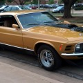 Gold-1970-Mach-1-Ford-Mustang