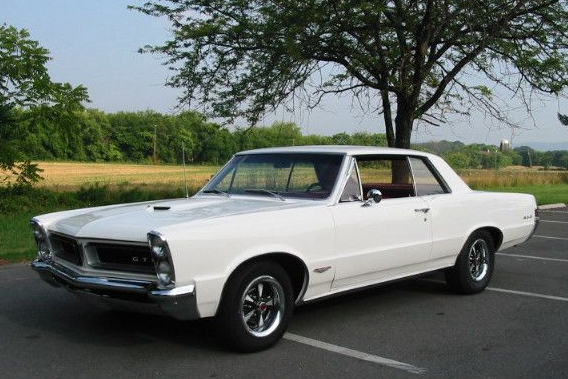 1964 Pontiac GTO Tri Power