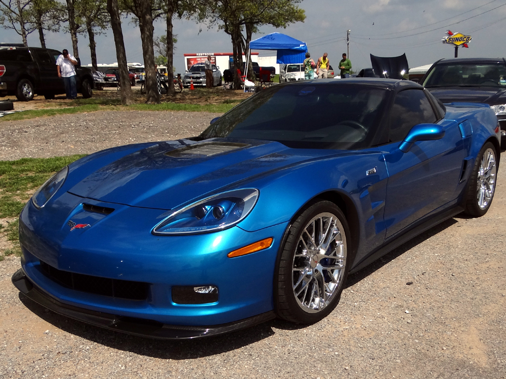 Chevy ZO6 Corvettes vs Shelby GT500 Mustang vs Porsche ...
