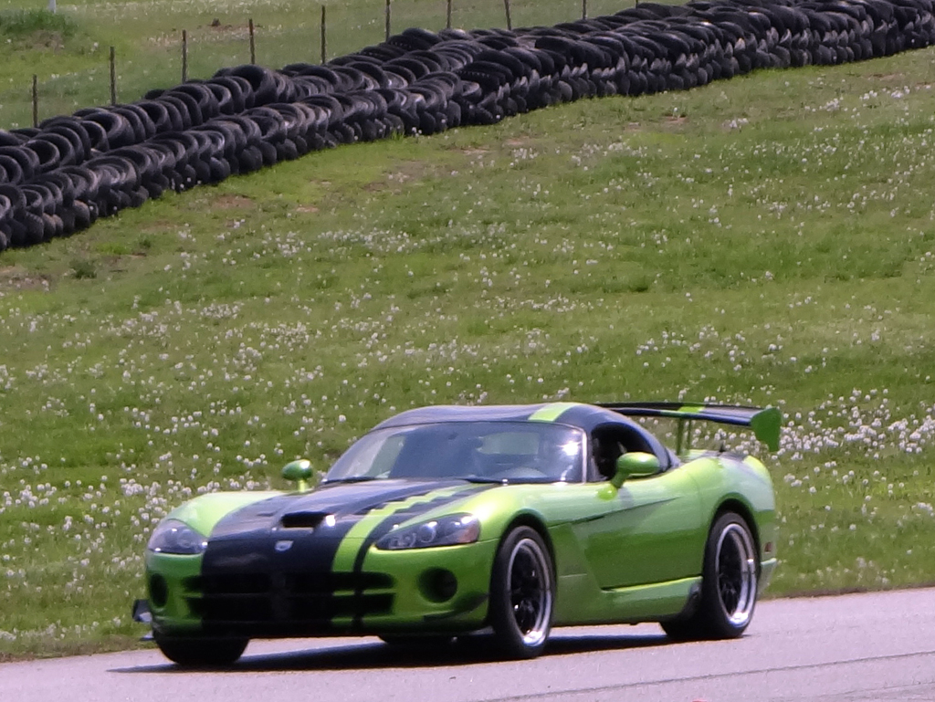 Green Acr Dodge Vipers Racing Zero To 60 Times