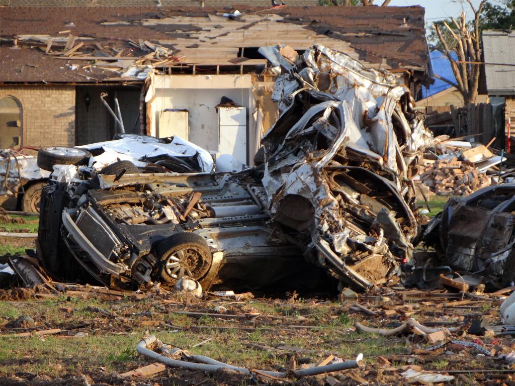 EF5 Tornado Damaged Cars in Oklahoma - Zero To 60 Times