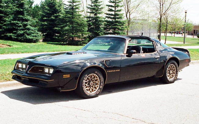 "1977 Pontiac Trans Am – ""Smokey and the Bandit"""