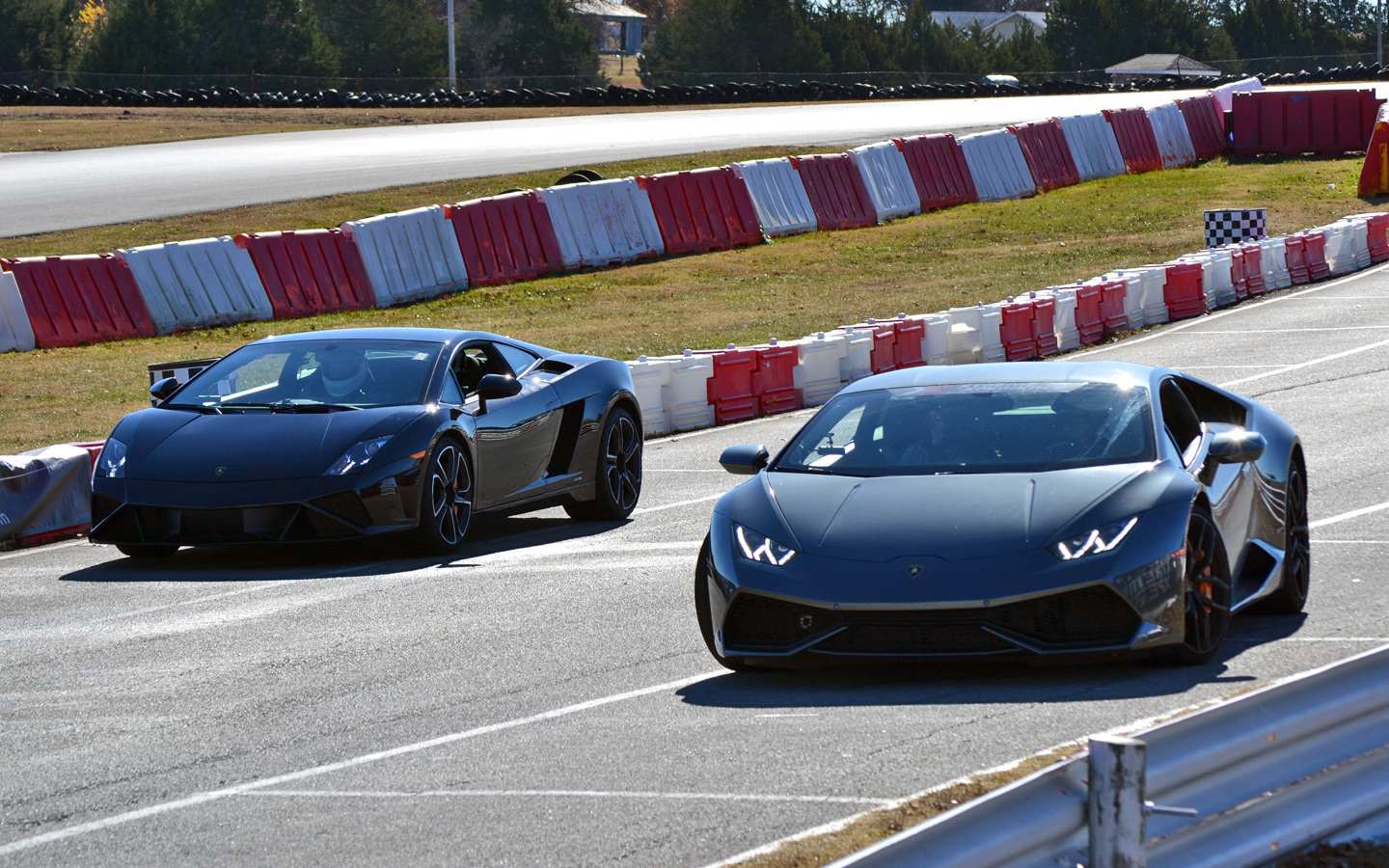 lamborghini huracan driving experience review zero to 60 times. Black Bedroom Furniture Sets. Home Design Ideas