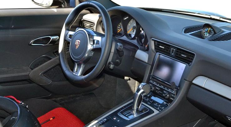 Rent a Porsche 911 GT3