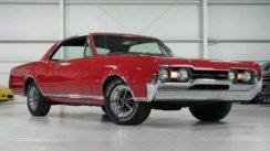 1967 Oldsmobile Cutlass 442 Tour