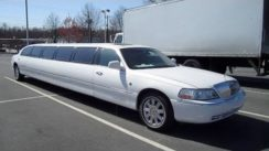 2003 Lincoln Town Car Cartier Limousine In-Depth Review