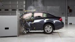 2012 Infiniti G Overlap IIHS Crash Test Video