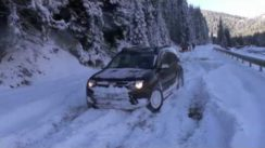 Dacia Duster on Heavy Snow & Ice