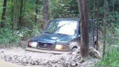 Suzuki Sidekick Offroading on Muddy 4X4 Trails